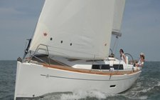Enjoy France onboard Dufour 335