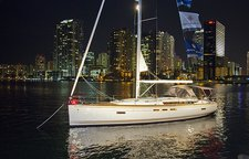 Enjoy Martinique onboard this splendid cruising monohull