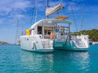 Set sail in Spain onboard this elegant 39' catamaran