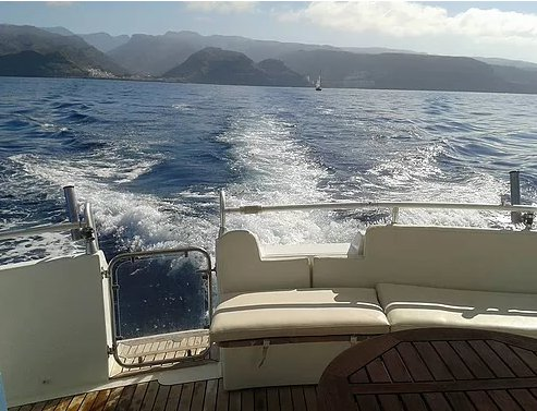 Boating is fun with a Motor yacht in Las Palmas