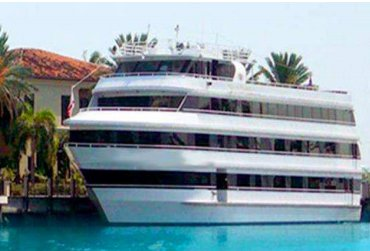 Dine & Wine in Florida onboard luxurious and spacious party boat