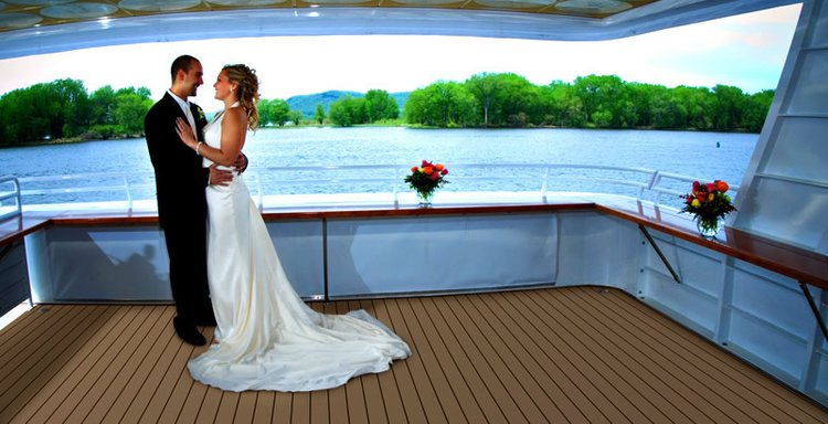 Motor yacht boat for rent in Kemah
