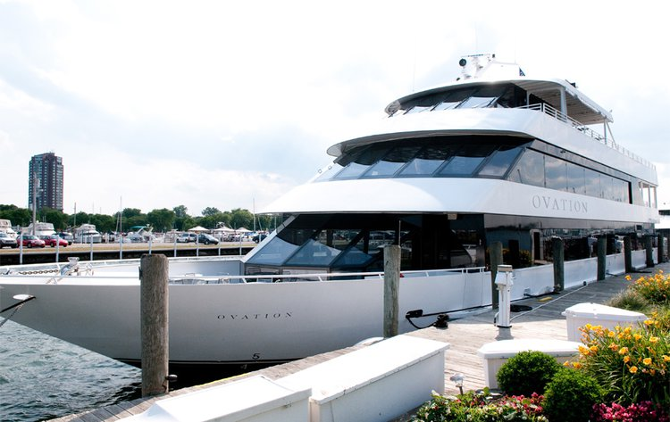 Boating is fun with a Motor yacht in Detroit