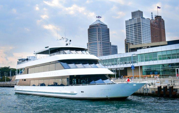 Boat rental in Detroit, MI