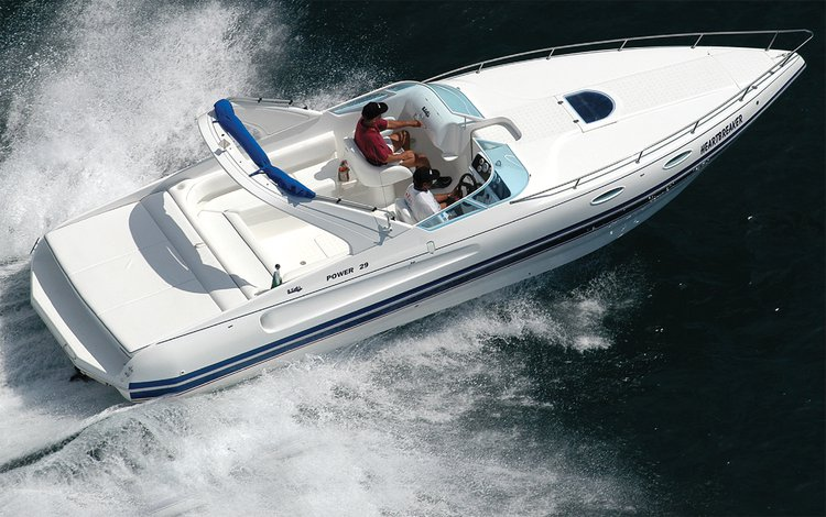 Have fun in Lisboa onboard 29' stylish motor boat