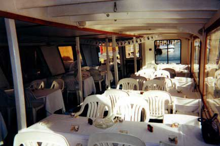 Discover Port Huron surroundings on this Custom Custom boat