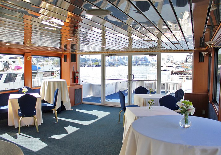 Motor yacht boat for rent in Seattle