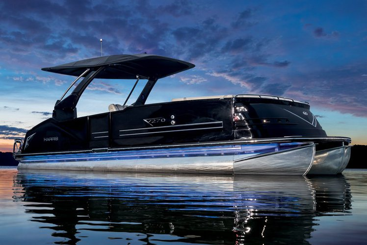 The Ultimate in Style and Comfort 30' Tri-toon All Inclusive