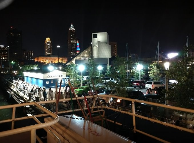 Boat rental in Cleveland, OH