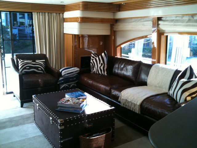 Discover Rocky River surroundings on this 720RPH Marquis boat