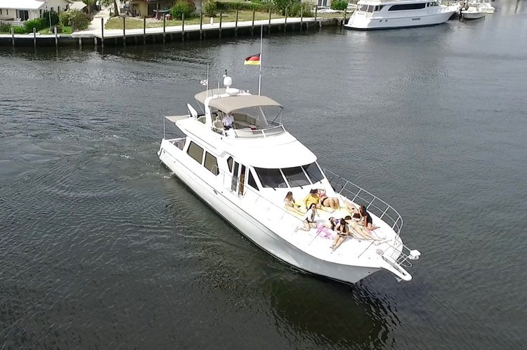 Boating is fun with a Flybridge in Fort Lauderdale