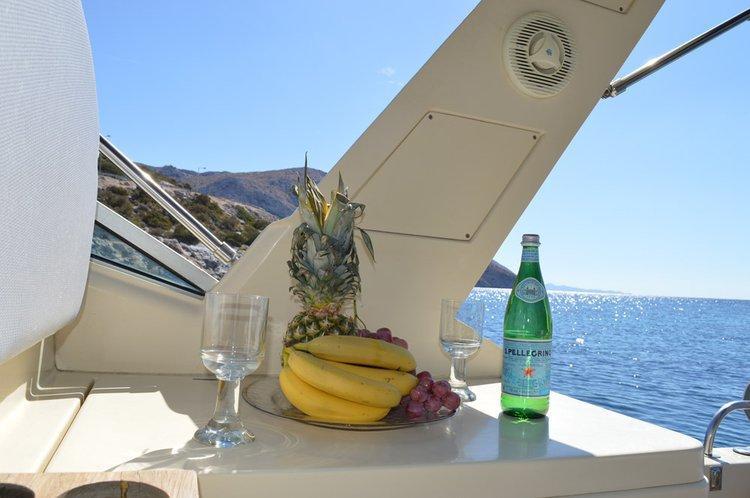 Oceanic's 37.0 feet in Lavrio