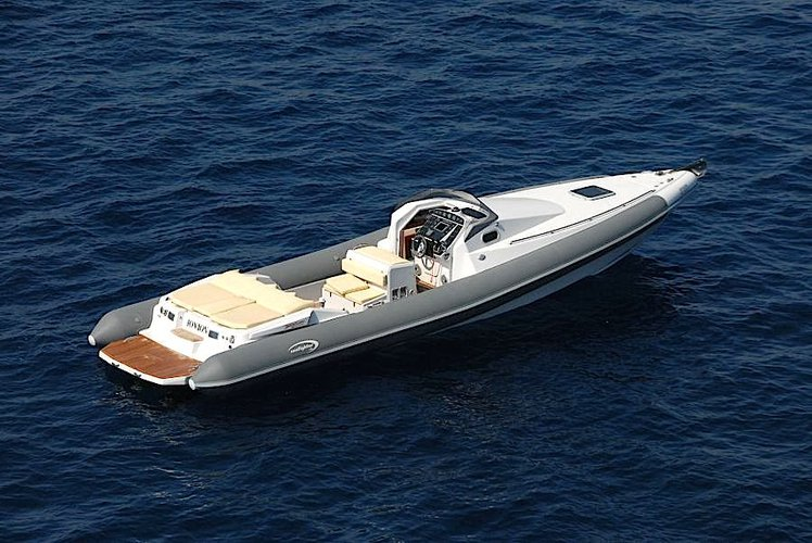 Rigid inflatable boat for rent in Lavrio