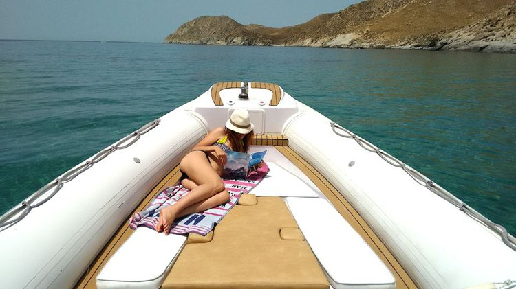 Boat rental in Lavrio,