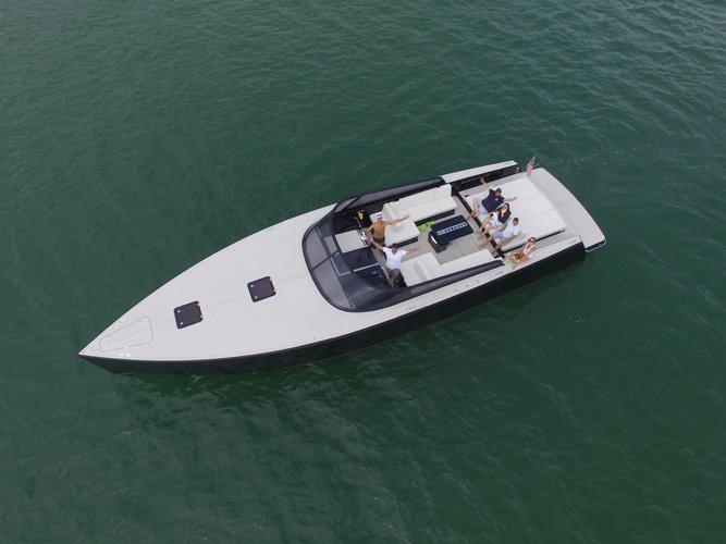 VanDutch's 55.0 feet in Miami Beach