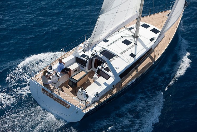Make your upcoming vacation memorable onboard Beneteau Oceanis 48