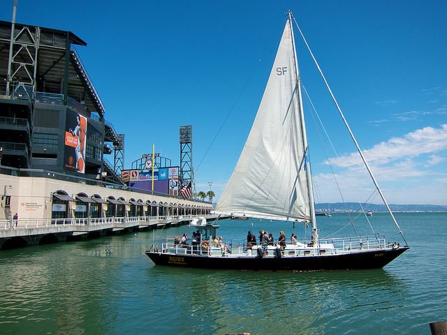 Discover San Francisco surroundings on this Custom Custom boat