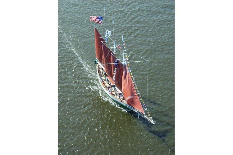 Schooner boat for rent in Norfolk