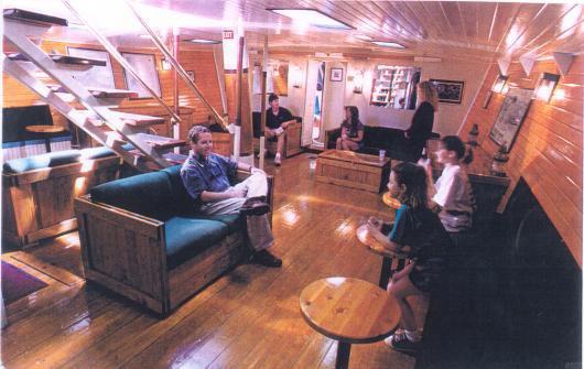 Discover Norfolk surroundings on this Custom Custom boat