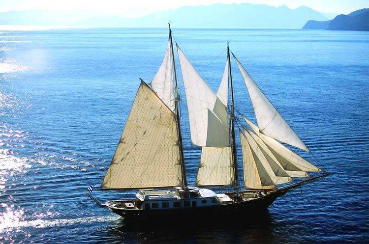 Schooner boat for rent in Thessaloniki