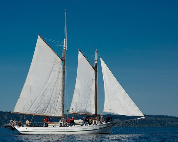 Schooner boat for rent in Seattle