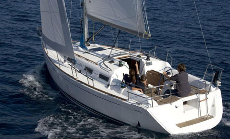 Have fun in  France onboard Dufour 335 Grand Large