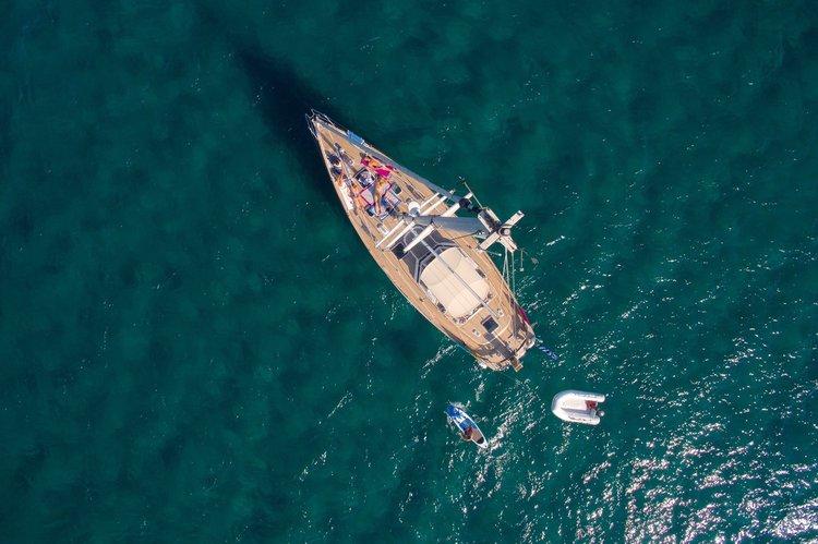 Cruiser boat rental in Foinikas Marina, Greece