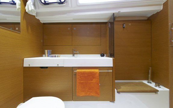 Discover Olbia surroundings on this Sun Odyssey 479 Jeanneau boat