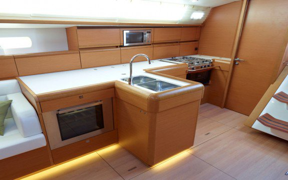 Discover Ajaccio surroundings on this Sun Odyssey519 Jeanneau boat