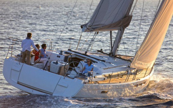 Make your vacation remember-able in Italy onboard 52' Cruising Monohull