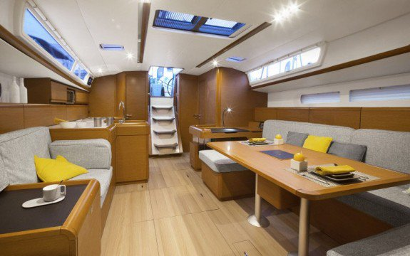 Discover Olbia surroundings on this Sun Odyssey 519 Jeanneau boat