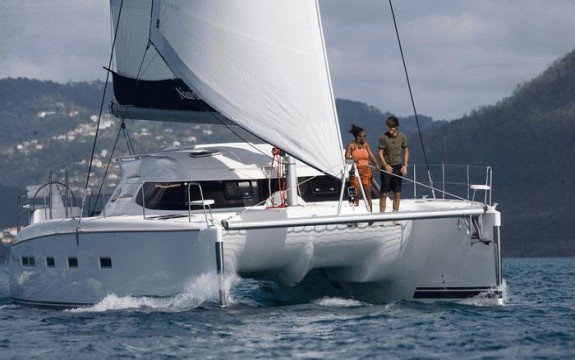 Have fun in France onboard 44' Cruising catamaran