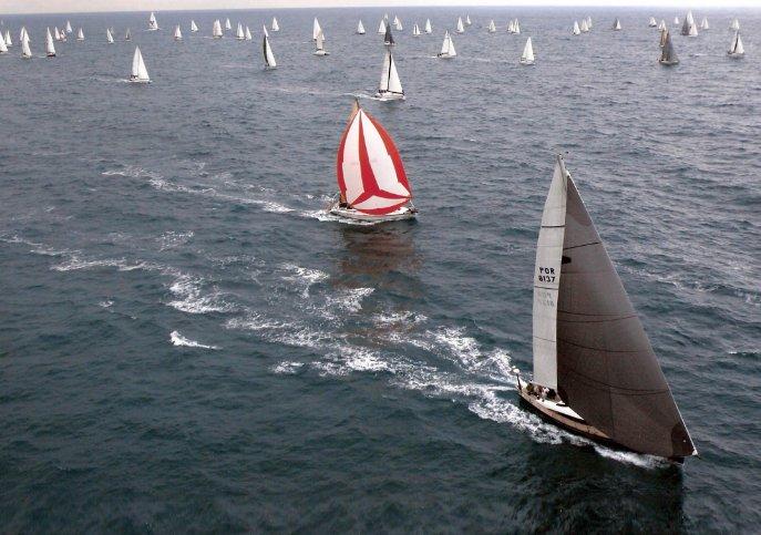 Shipman's 49.15 feet in Portimão
