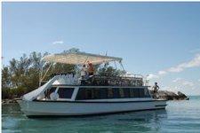 Indulge in luxury onboard this splendid 55' motor yacht