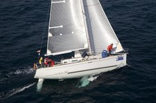 Escape from boisterous crowd in Chicago, Illinois onboard Beneteau First 36.7