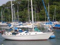 Cruise Illinois onboard 42' sailboat