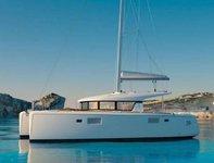 Have fun in France onboard Lagoon 39