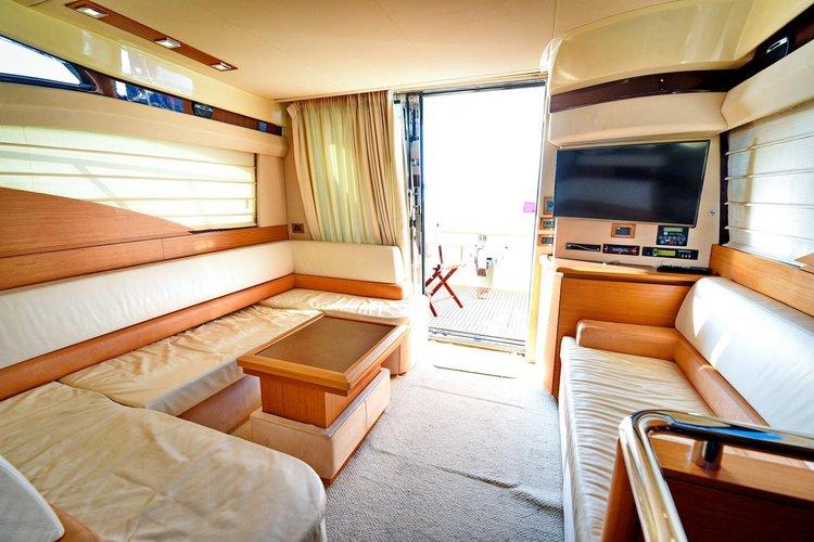 42.0 feet Azimut / Benetti Yachts in great shape