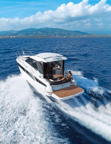 Discover Istra surroundings on this Bavaria Sport 360 Coupe Bavaria Yachtbau boat