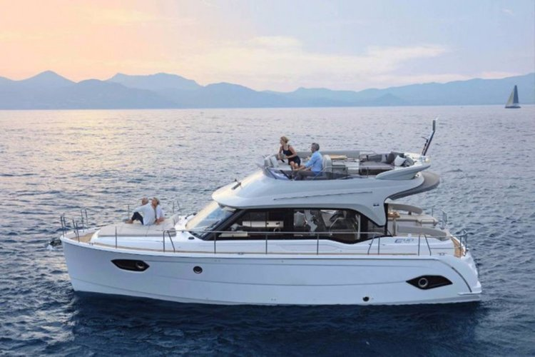 Discover Split region surroundings on this Bavaria E40 Fly Bavaria Yachtbau boat