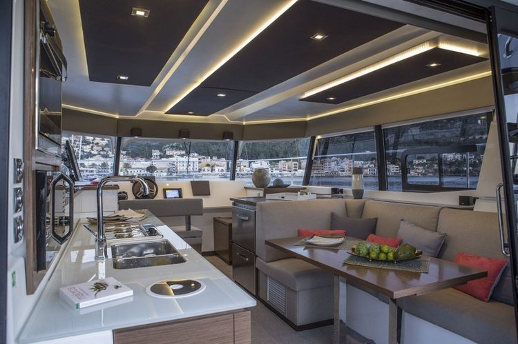 This 36.0' Fountaine Pajot cand take up to 8 passengers around Dubrovnik region