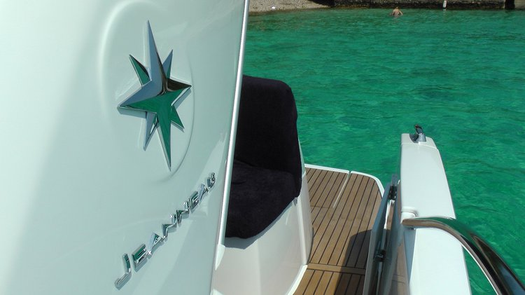 Discover Split region surroundings on this Leader 8 Jeanneau boat