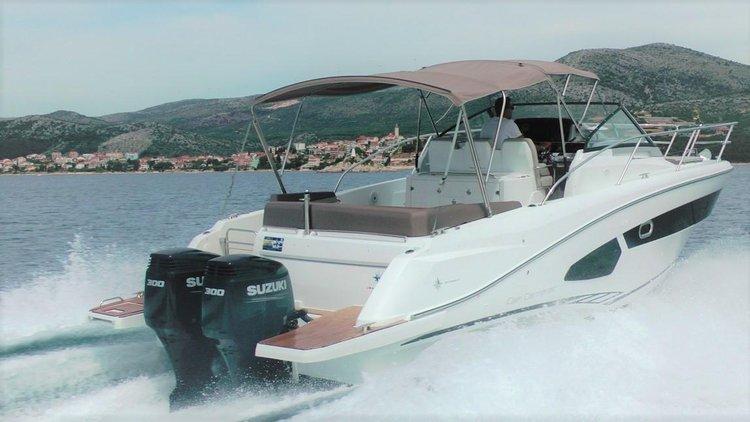 Jeanneau's 34.0 feet in Split region