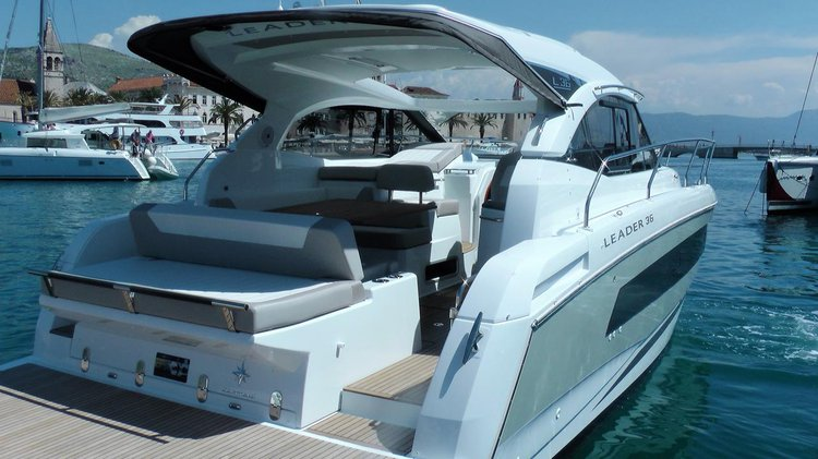 Discover Split region surroundings on this Leader 36 Jeanneau boat