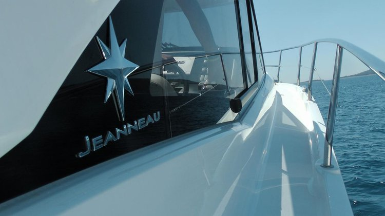 Boat for rent Jeanneau 37.0 feet in Marina Trogir – ACI,