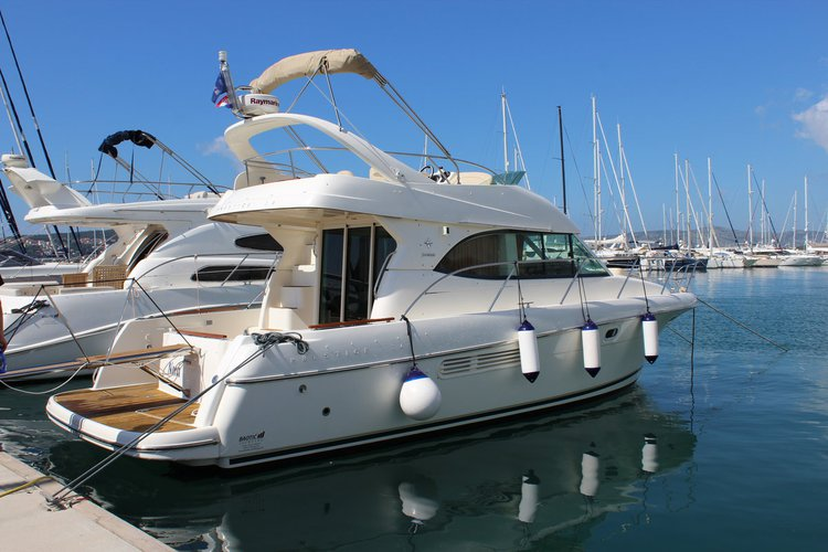 Rent this Jeanneau Prestige 36 for a true nautical adventure