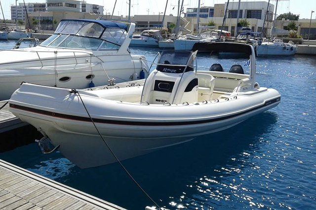 This 26.24' Marco cand take up to 10 passengers around Rodos