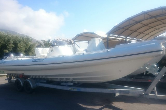 MOTOMARINE SUPERONDA WHITE 8.6M NEW MODEL-2X175HP SUZUKI
