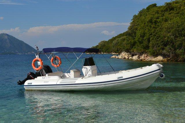 Rigid inflatable boat rental in Lefkada Nidri,