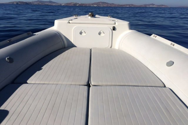 Discover Antiparos surroundings on this Custom Predator boat